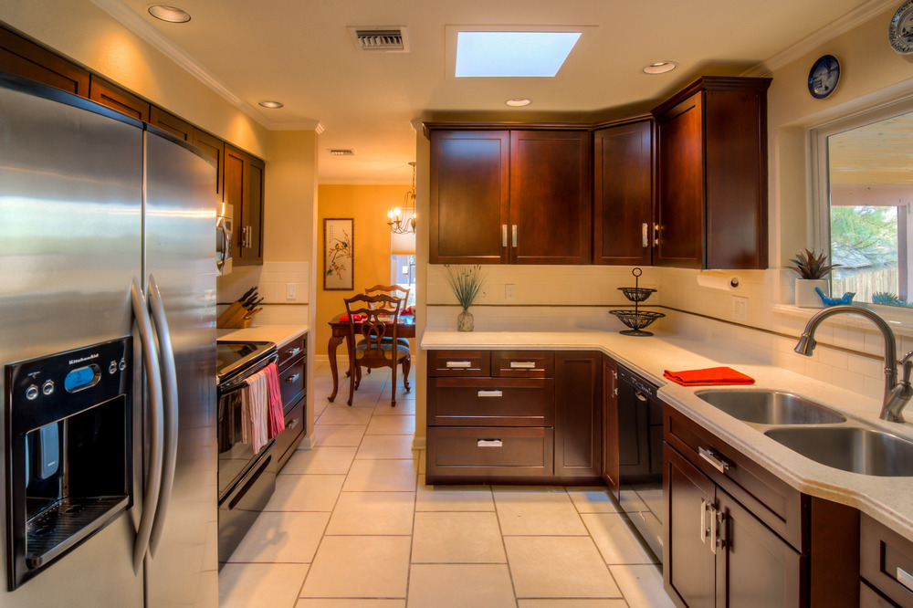 15 Kitchen photo c.jpg