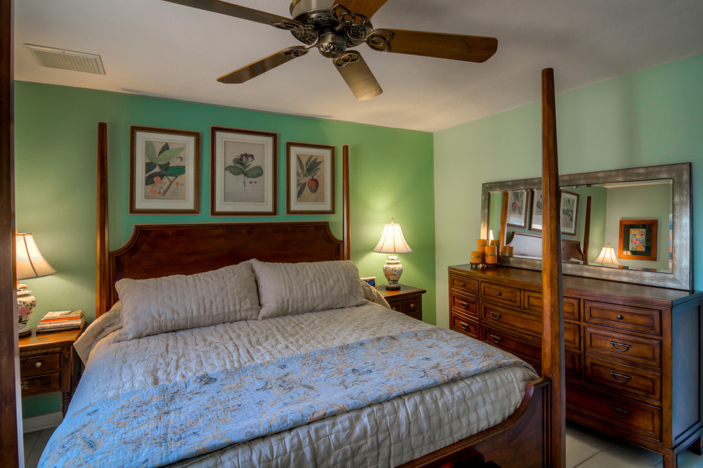 34 Master Bedroom photo c.jpg