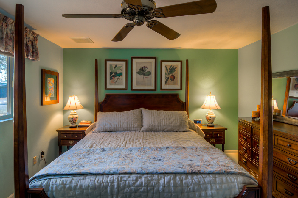 35 Master Bedroom photo d.jpg