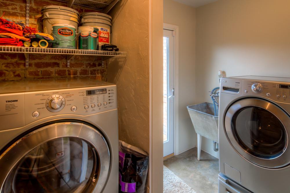 13 Laundry Room.jpg