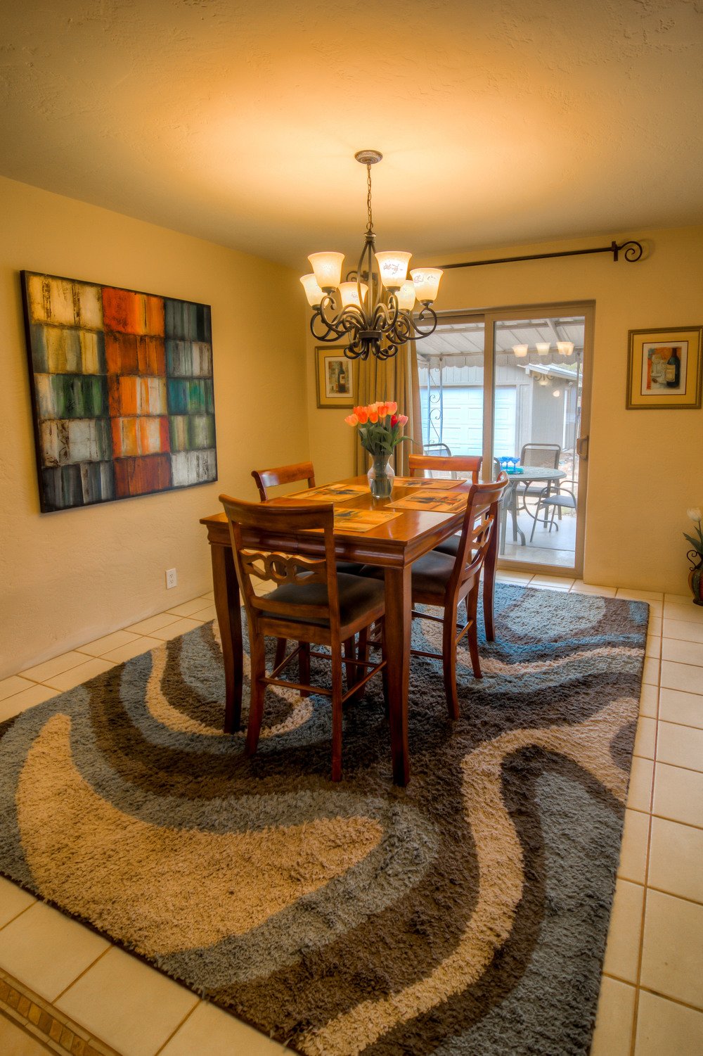 15 Dining Room photo b.jpg