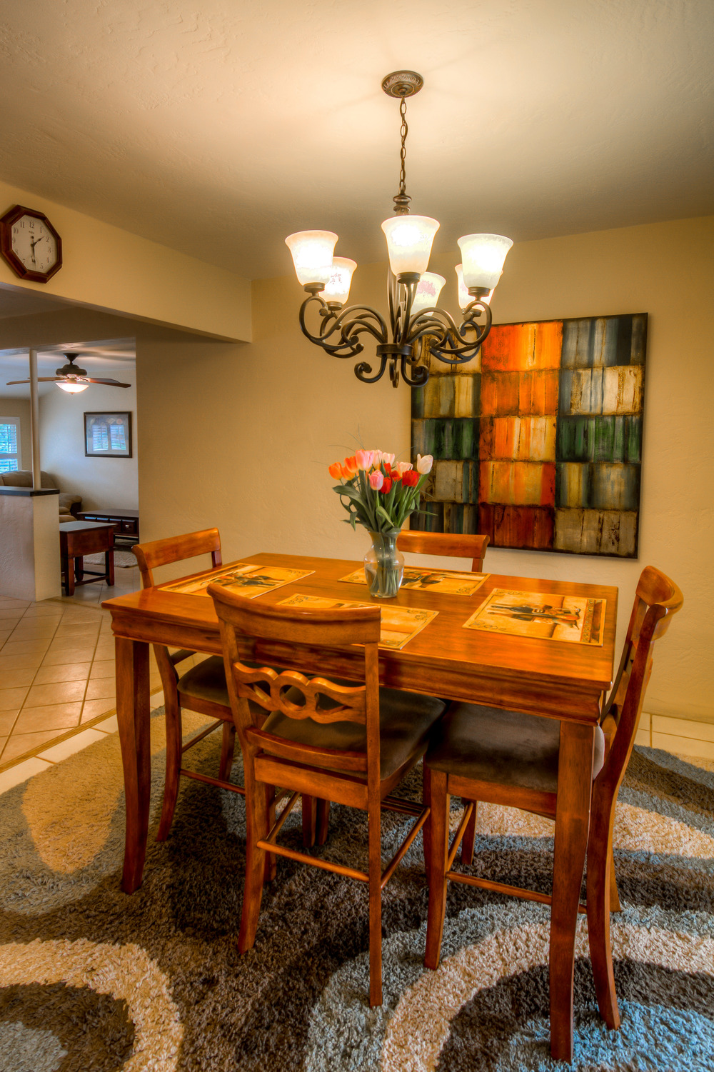 16 Dining Room photo c.jpg