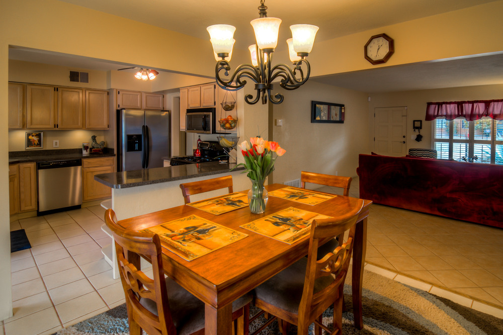19 Dining Room photo f.jpg