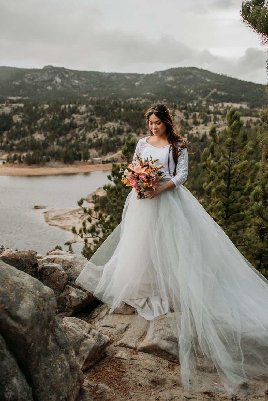wild_earth_weddings_colorado_elopement_photographer_dogs_rocky_mountains-24.jpg