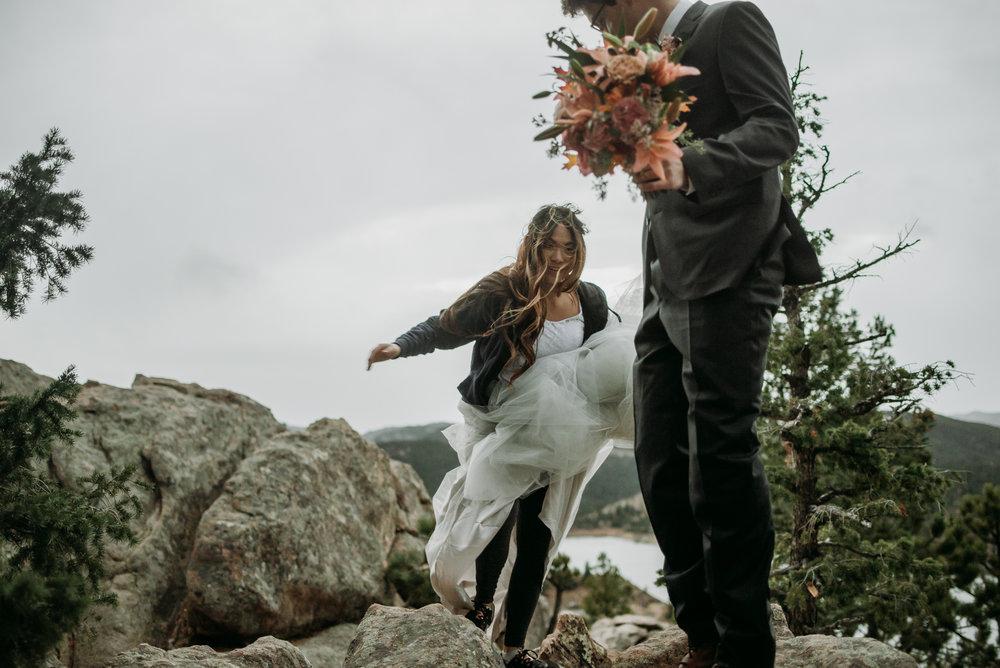 wild_earth_weddings_colorado_elopement_photographer_dogs_rocky_mountains-37.jpg