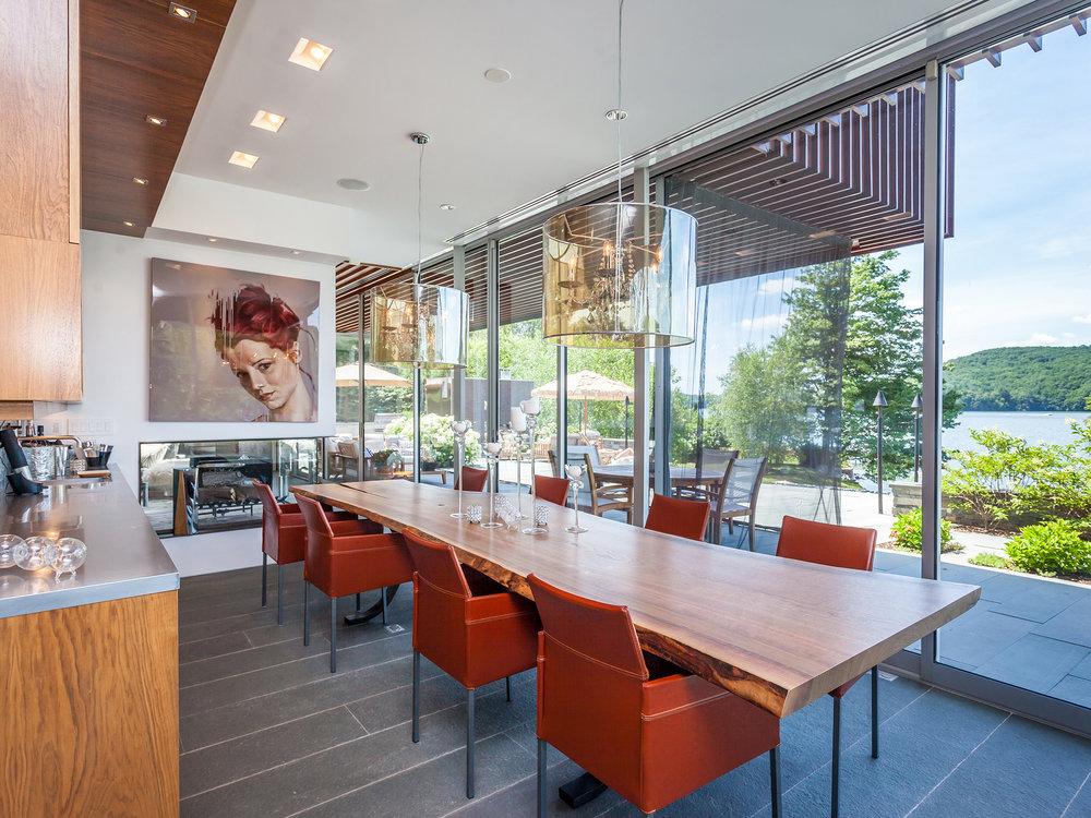 dining area_sm.jpg