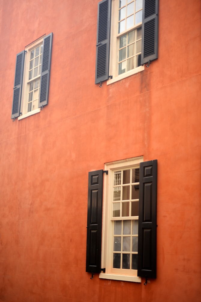 Charleston-Downtown-Walk-Naomi-VanDoren 1