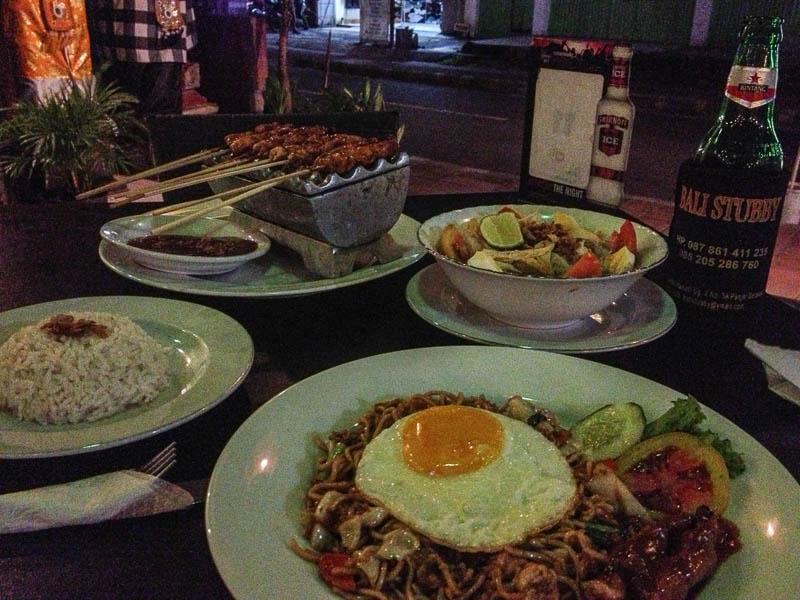 Dinner-Indonesia-Trip-Kuta-Bali-Naomi-VanDoren-1.jpg