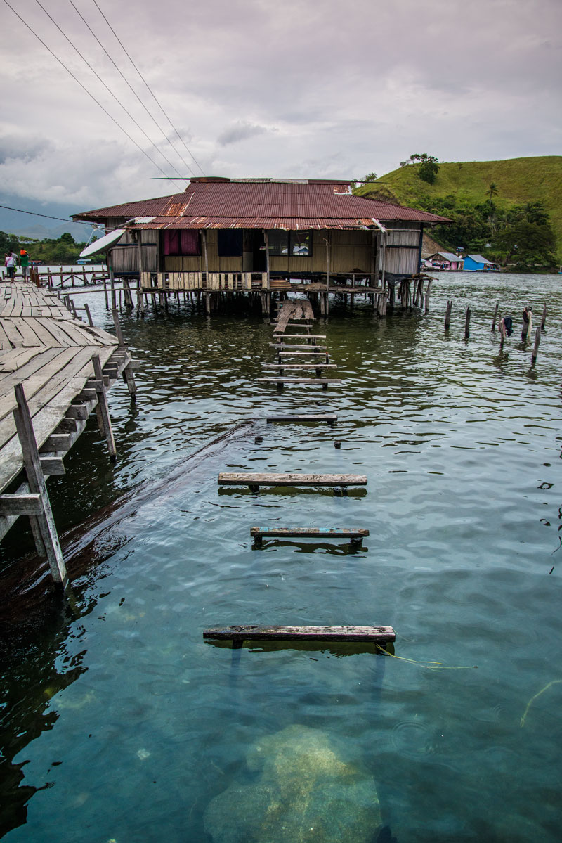 Lake-house-1-sentani-papua-Indonesia-Naomi-VanDoren