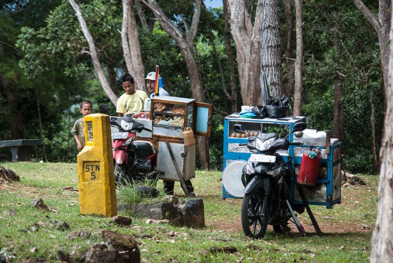 McAurthur-Hill-Sentani-lunch-Papua-Indonesia-Naomi-VanDoren