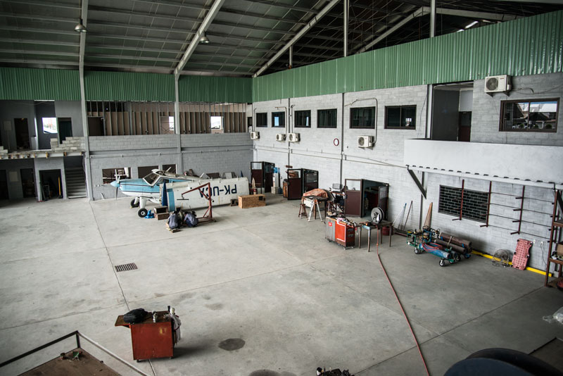 YAJASI-hanger-Sentani-Indonesia-2-Naomi-Vandoren.jpg