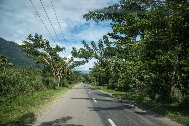 roads-2-Papua-Indonesia-naomi-vandoren.jpg