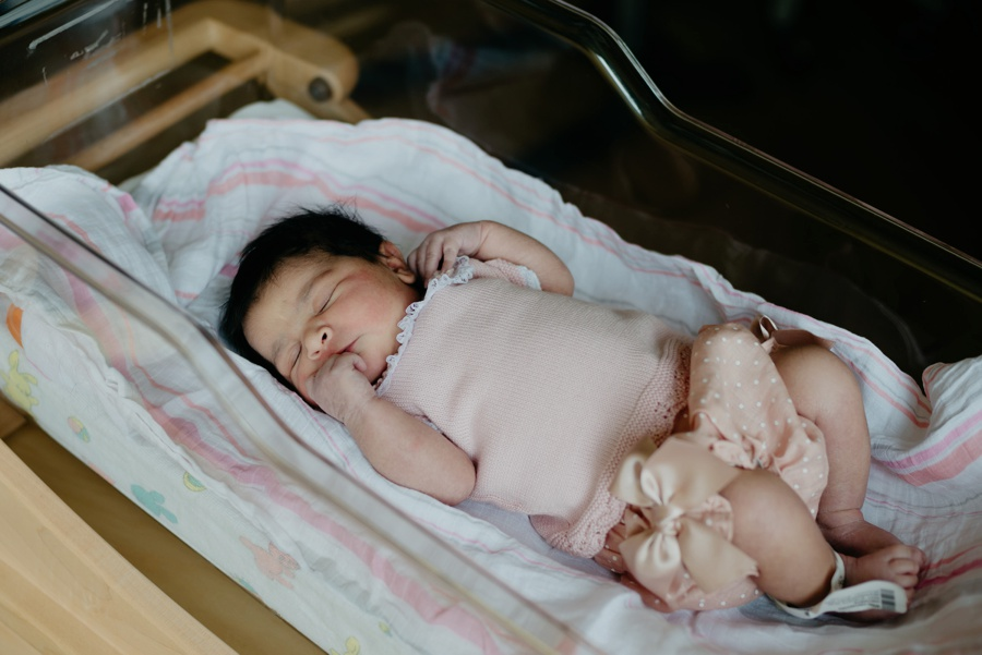 newborn photographer tacoma
