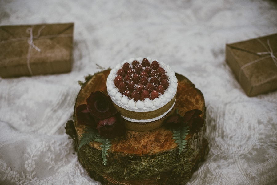 cake for a tacoma elopement