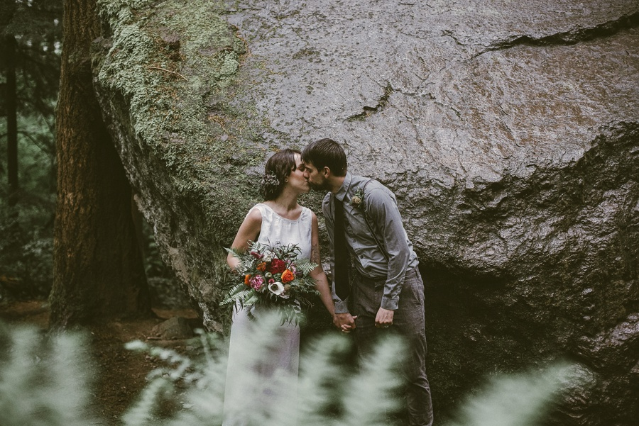 couple kissing at elopement in issaquah