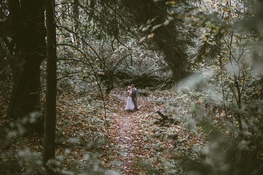 fall elopement in seattle, wa