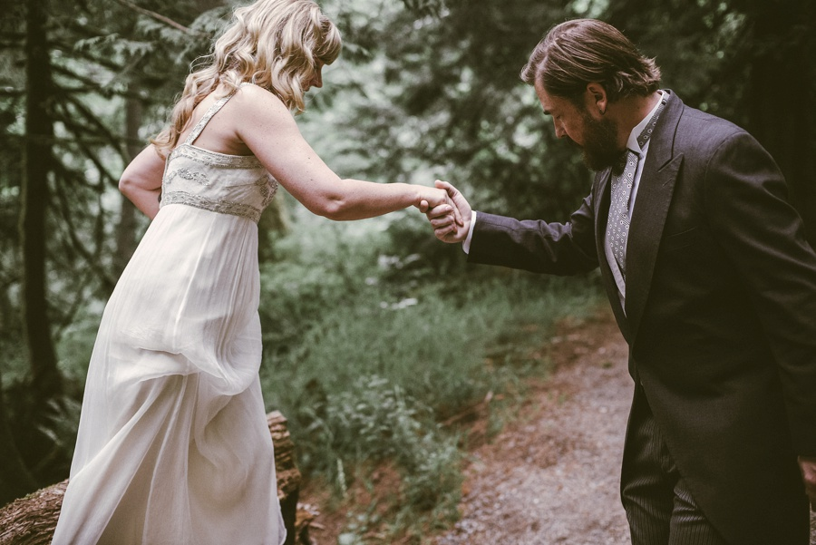 snoqualmie forest elopement
