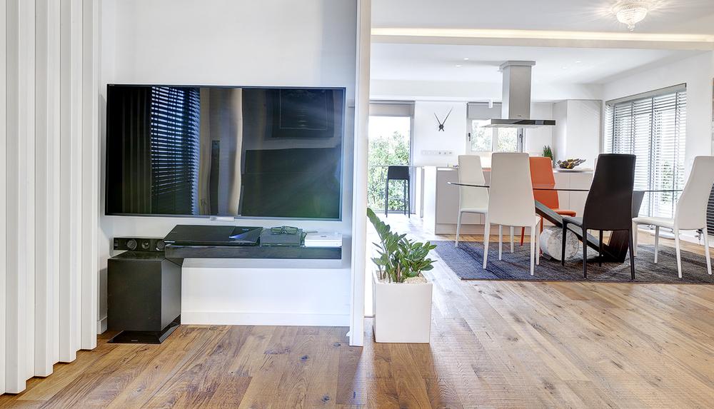 διαμορφωση εσωτερικης σκαλας επενδυση wc επιπλο εισοδου τηλεορασης (8).jpg