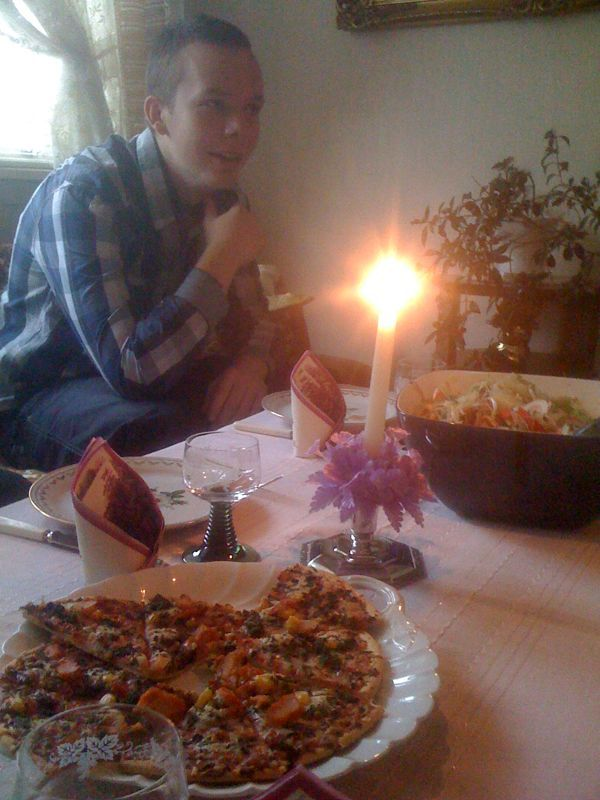 Family dinner with Grandiosa frozen pizza. WTF?