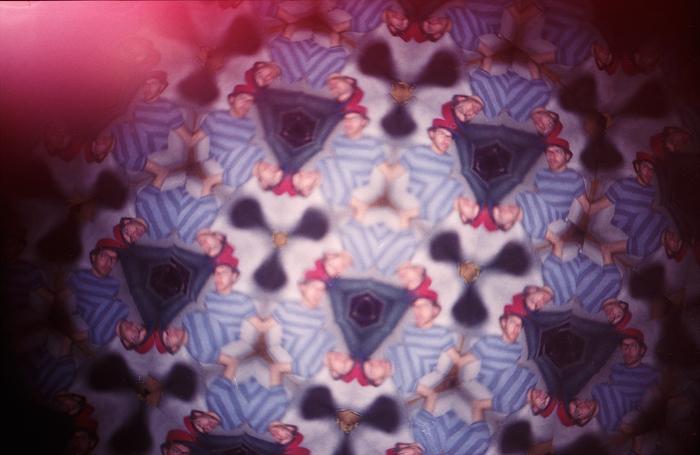 OMG, I'm insidesaakaldt-fotokaleidoscope picture!