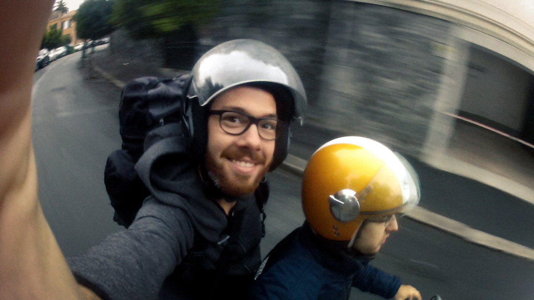 October 26th 2012, I'm on a  horse  scooter!    I left Toulouse on Thursday, spent a few nights in Genova, and am now in Firenze! Next stop: Roma.
