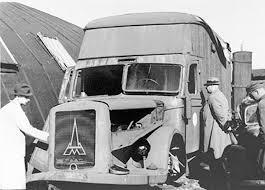 Wynalazek  Standartenführera Waltera Rauffa – ciężarówka do masowego zabijania ludzi przy pomocy spalin (źródło:  jewishvirtuallibrary.org )