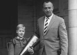 Aribert Heim z synem Rüdigerem (źródło:  http://www.theatlantic.com/international/archive/2014/03/being-the-son-of-a-nazi/284578/ )