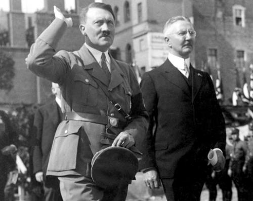 Hjalmar Schacht i Adolf Hitler (źródło:    www.infiniteunknown.net)