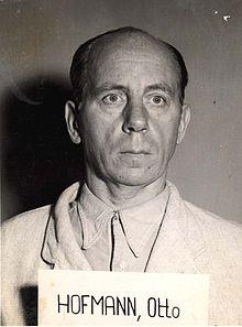 Otto Hofmann przed sądem(źródło   :   en.wikipedia.org )