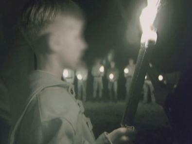 (źródło:     http://aff.skynetblogs.be/archive/2008/08/12/heimattreue-deutsche-jugend-te-gast-bij-het-vnj.html  )