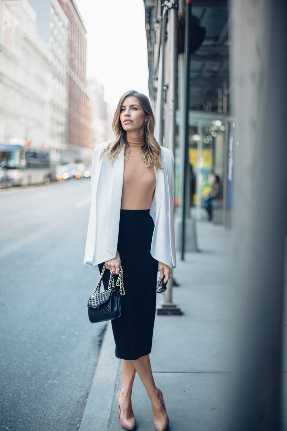 white cape streetstyle