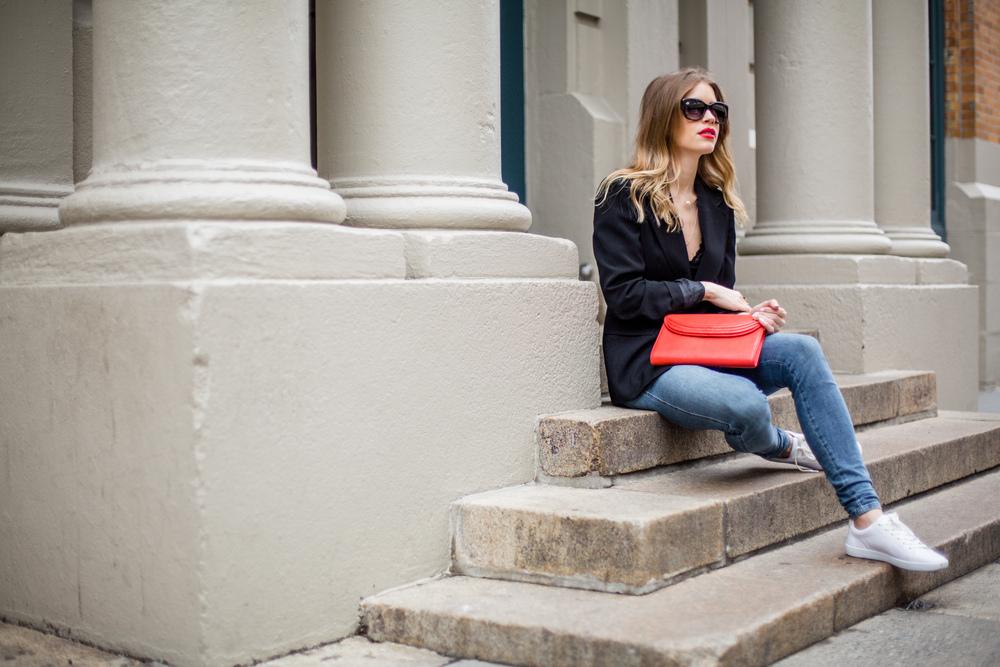 black blazer jeans streetstyle