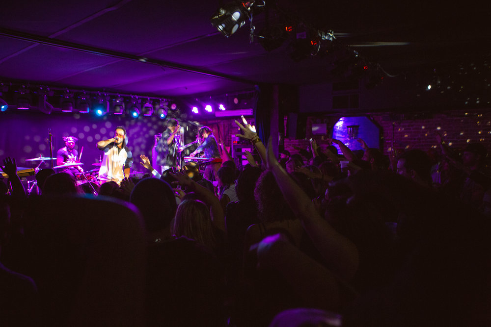 A packed house at Mercury Lounge experiencing The Lesson GK. Photo courtesy of Sergio Carrasco.