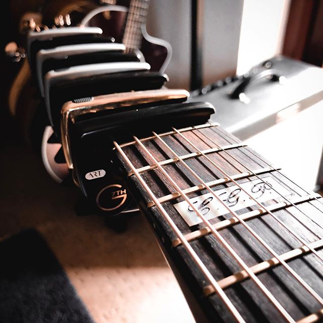Can't recommend this new @g7thcapo Performance 3 enough! Welcome addition of the line up!  Think I might have enough capos now... this about half of them!  @matonguitars with @fender @taylorguitars in the back