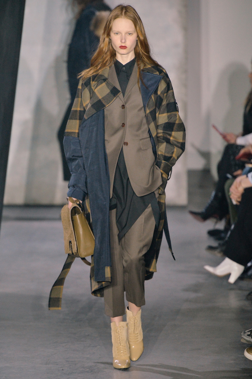 wgsn :   Layers on layers on layers are lending bespoke suiting a street edge at the @31philliplim #NYFW #AW15 show