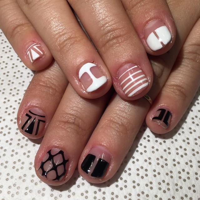 vanityprojectsnyc :     @mee_yagi #Kanae #gelnail #nailart #vanityprojects