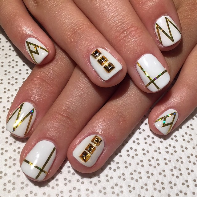 vanityprojectsnyc :     @mee_yagi #gelnail #extensions #nailart #vanityprojects  (at Vanity Projects)