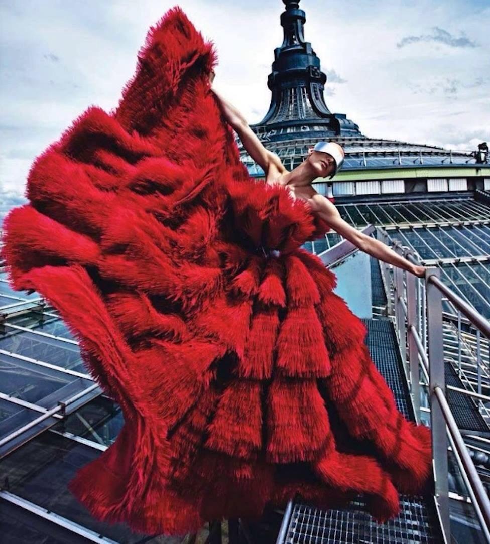 lunaticsbyfashion :     #Throwback Alexander McQueen by Mario Sorrenti for Vogue Paris August 2012 issue
