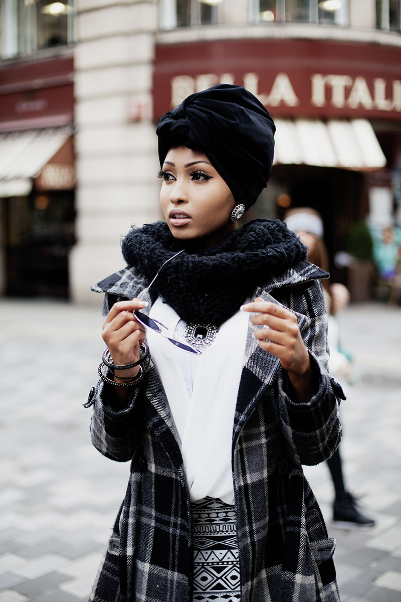 modeststreetfashion :      Snapped this young lady who looks prepared to tackle the world in the streets of London, England. She came down from Birmingham.   London, England By: Langston Hues   Please tag & share!   #modeststreetfashion #modestfashion