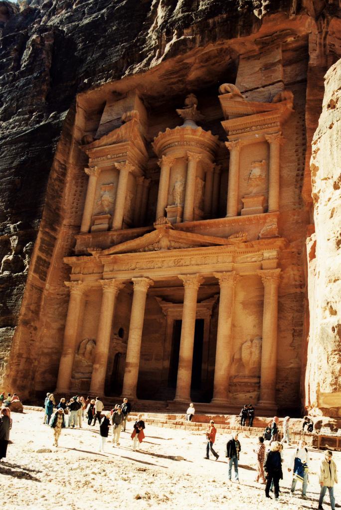 breathtakingdestinations :     Petra - Jordan (von  Lauras Eye )