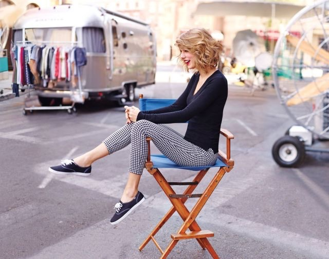 keds :     Contest ends tomorrow! Put on your dancing shoes and  show us how you #shakeitoff . You could win a trip to attend a  taylorswift  album launch event!