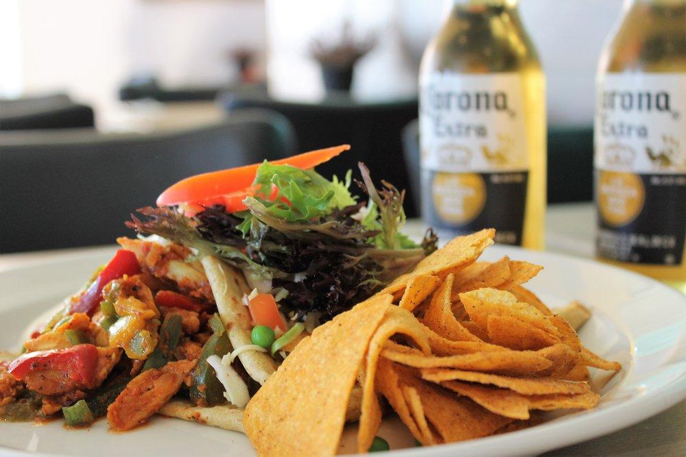 Lyst til mexicansk mad ? Anbefaler vores mexicanske oksekøds- eller Fajita kyllinge pandekage