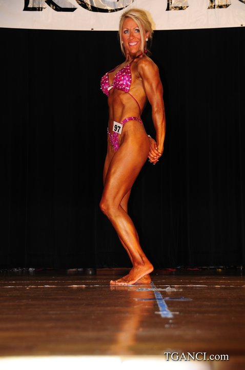 NE Classic, natural bodybuilding,  heavy weight division, 2009
