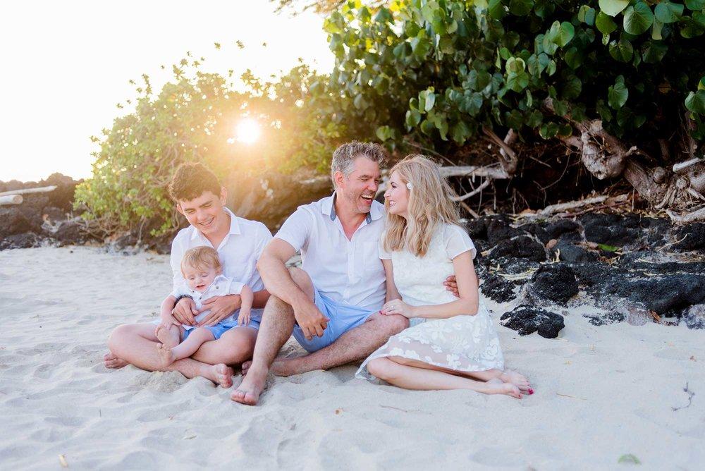 Waikoloa-Family-Photographer-Hapuna-Beach-01.jpg
