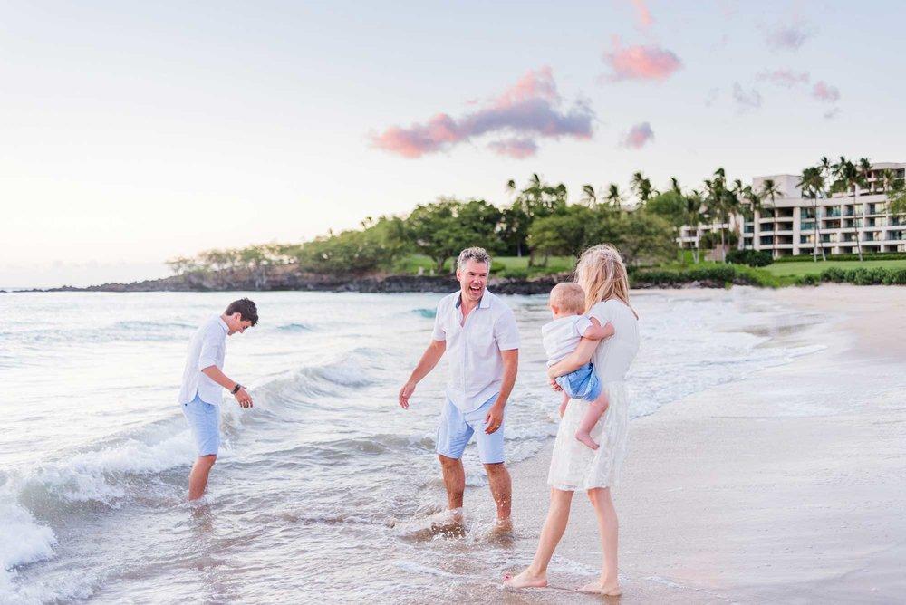Waikoloa-Family-Photographer-Hapuna-Beach-05.jpg