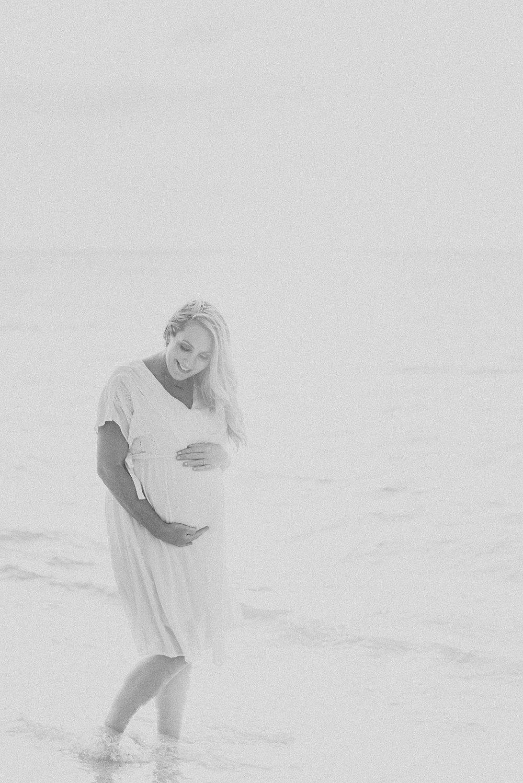 Dreamy-Hawaii-Babymoon-Big-Island-Beach-02.jpg