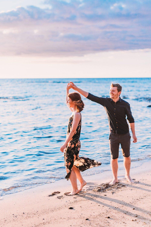 Engagement-Vacation-Hawaii-Sunset-Photographer-03.jpg