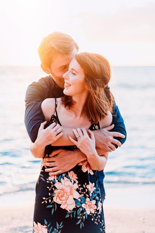 Engagement-Vacation-Hawaii-Sunset-Photographer-07.jpg
