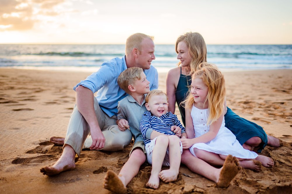 Maui-Family-Photographer-Waialea-Beach-Sunset-02.jpg