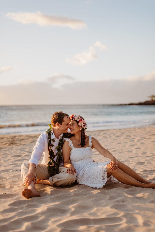 Waikoloa-Engagement-Photographer-Big-Island-Beach-Sunser-05.jpg